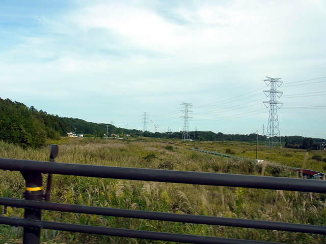 目前には福島第一原子力発電所のクレーン群が見える